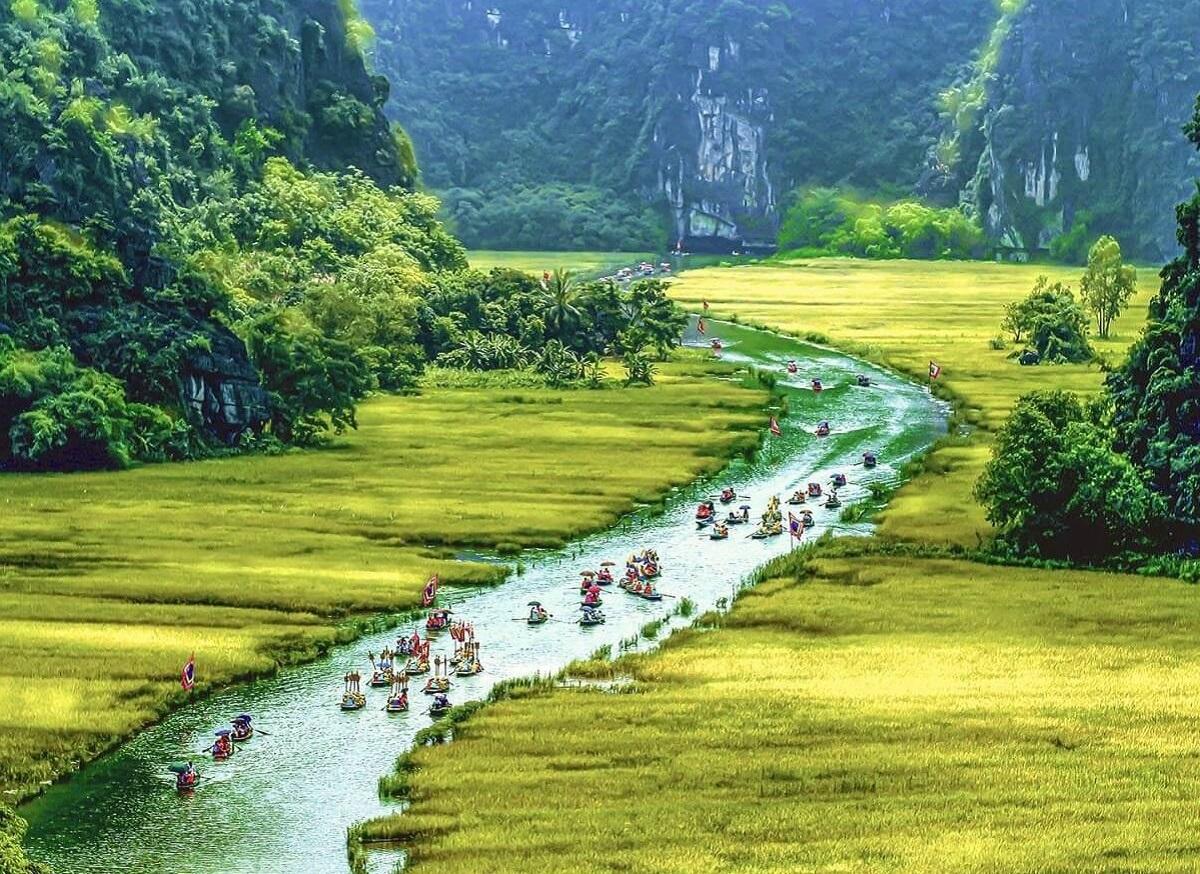 Kinh nghiệm du lịch Ninh Bình tự túc: Địa điểm, ăn uống, giá vé, phương tiện.
