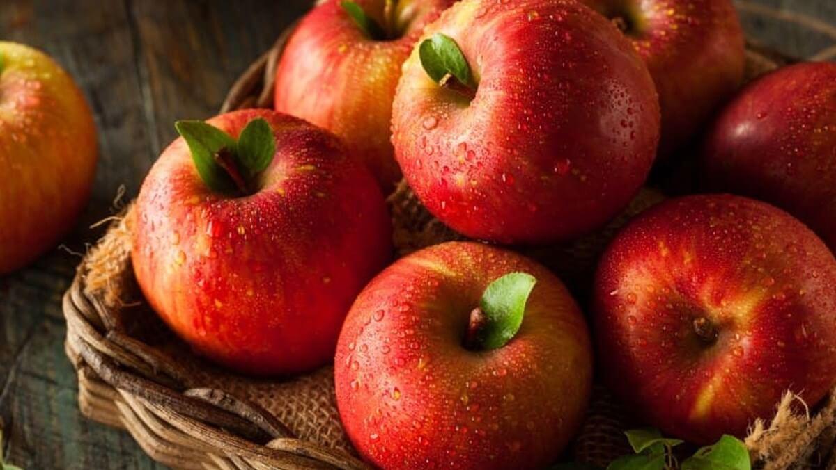 Mách bạn cách chọn táo ngon giòn không xốp, mọng nước